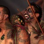 Grupo de hombres Haka Maori